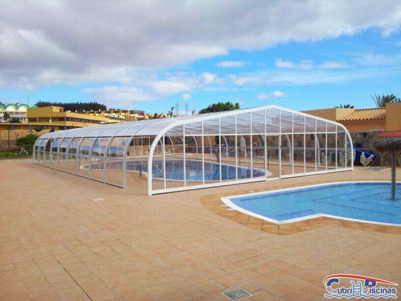 Cubripiscinas cubiertas fijas grandes cubiertas para for Camping con piscina cubierta